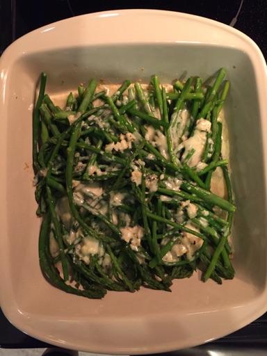 Asparges og gorgonzola gratin